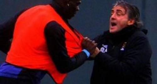 Manchester City: che lite tra Balotelli e Mancini! I due vengono alle mani